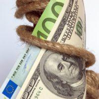 Confianza en gobiernos decae, se recupera en negocios: Trust Barometer